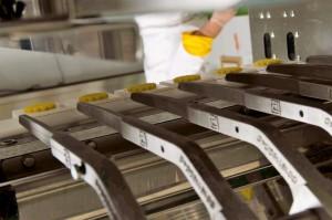 Fasi di lavorazione nel laboratorio di pasticceria